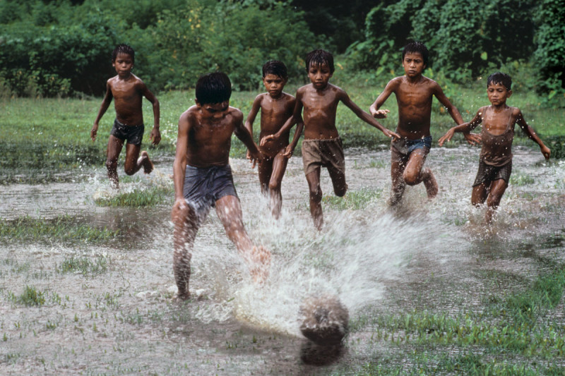 Figure to Ground in Photography - Bangladesh 2