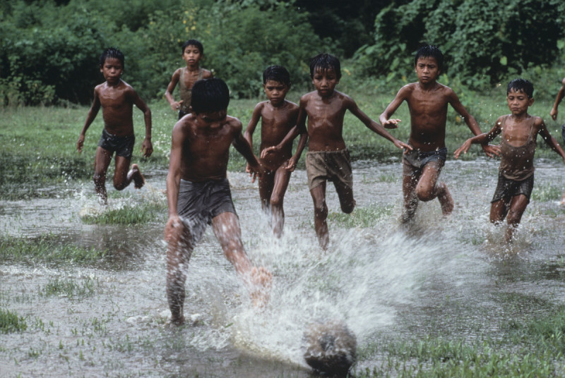 Figure to Ground in Photography - Bangladesh