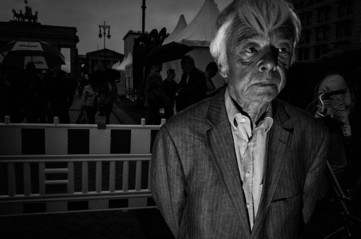 Flash Street Photography - People at the Gate