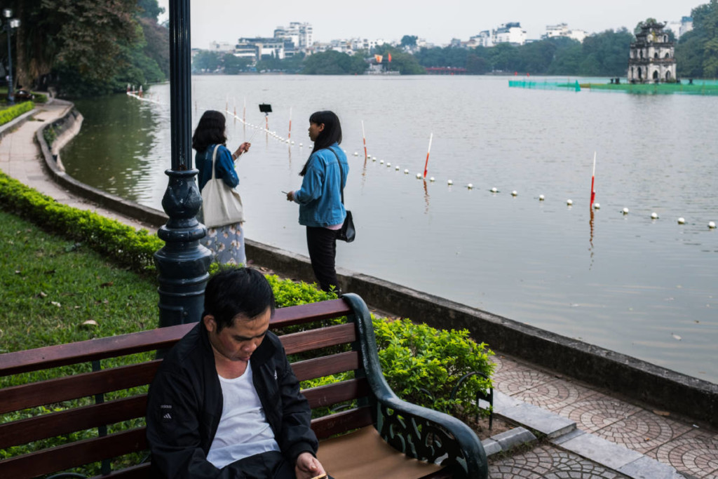 Street Photography Hanoi - Hoan Kien Lake