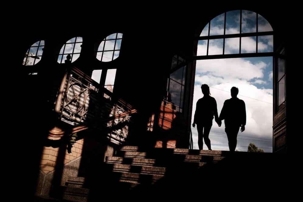 Silhouette indoor Oliver Krumes