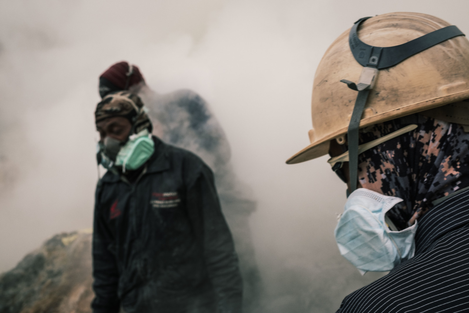 Shooting in Toxic Sulfur Dust