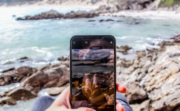 Smartphone Travel Item